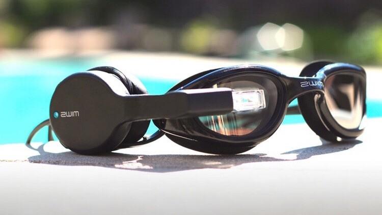 Фитнес-гаджет для тренировок в бассейне будет теперь у пловцов
