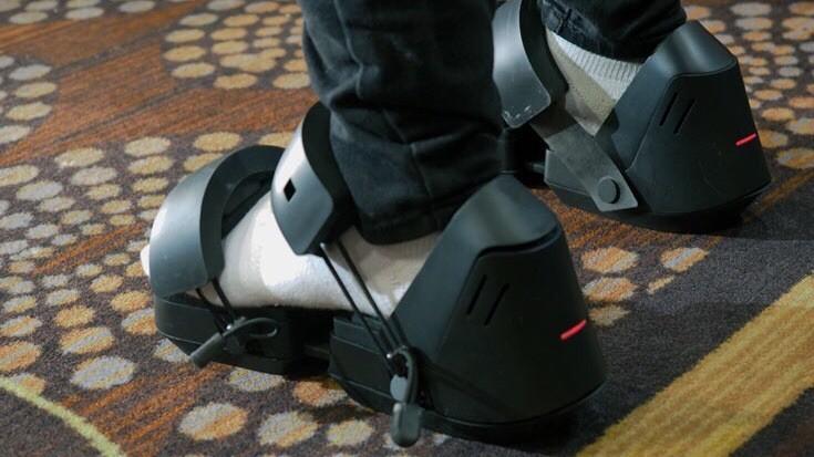 Google патентует обувь для виртуальной реальности