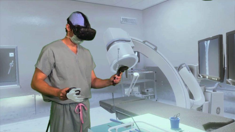 Хирургов обучают с помощью виртуальной реальности
